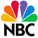 """Il logo del network radiotelevisivo americano riprende palesemente la figura di un pavone (visibile anche in bianco nella parte centrale del marchio). Non a caso uno dei motti dell'emittente è """"Orgogliosa e a voce alta""""."""