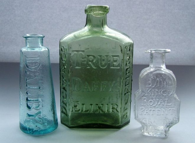 800px-Three_early_medicine_bottles