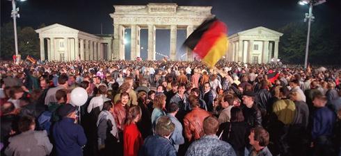 GERMANY-BERLIN-WALL-20YEARS