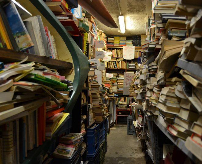libreria-acqua-alta17
