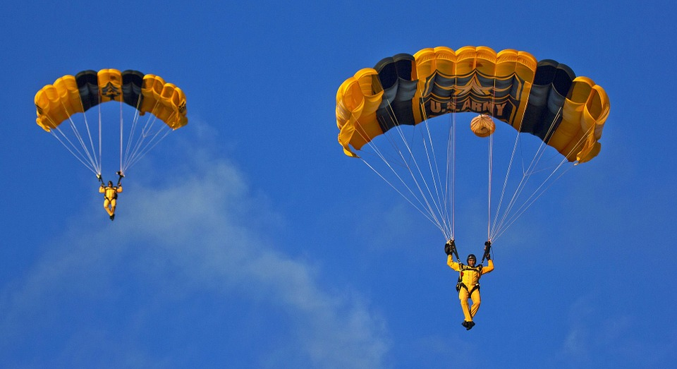 Parachuting Skydivers Parachute Team Parachute Army