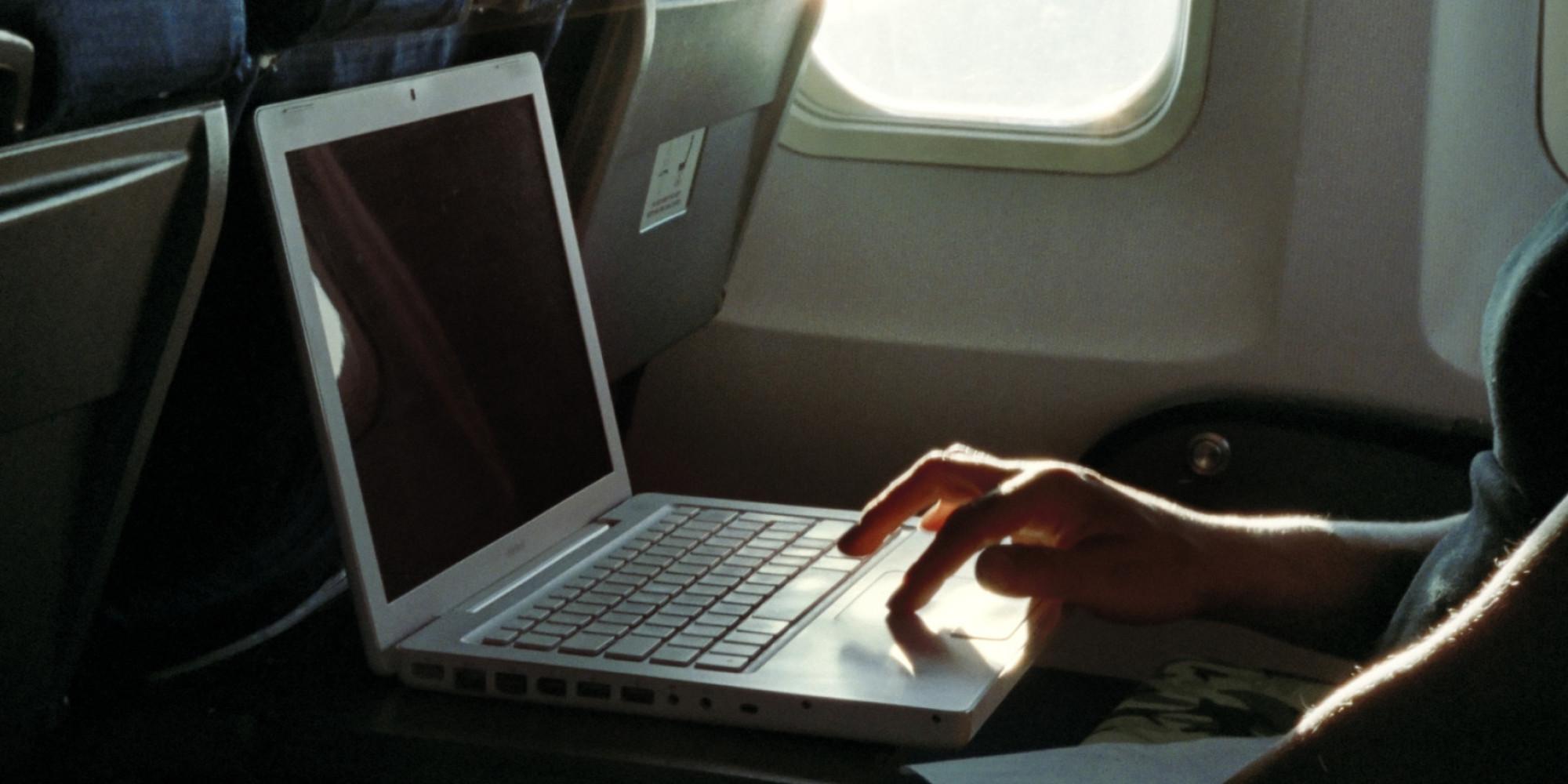 laptop plane
