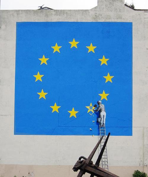 banksy-EU-mural-brexit-dover-england-designboom-600