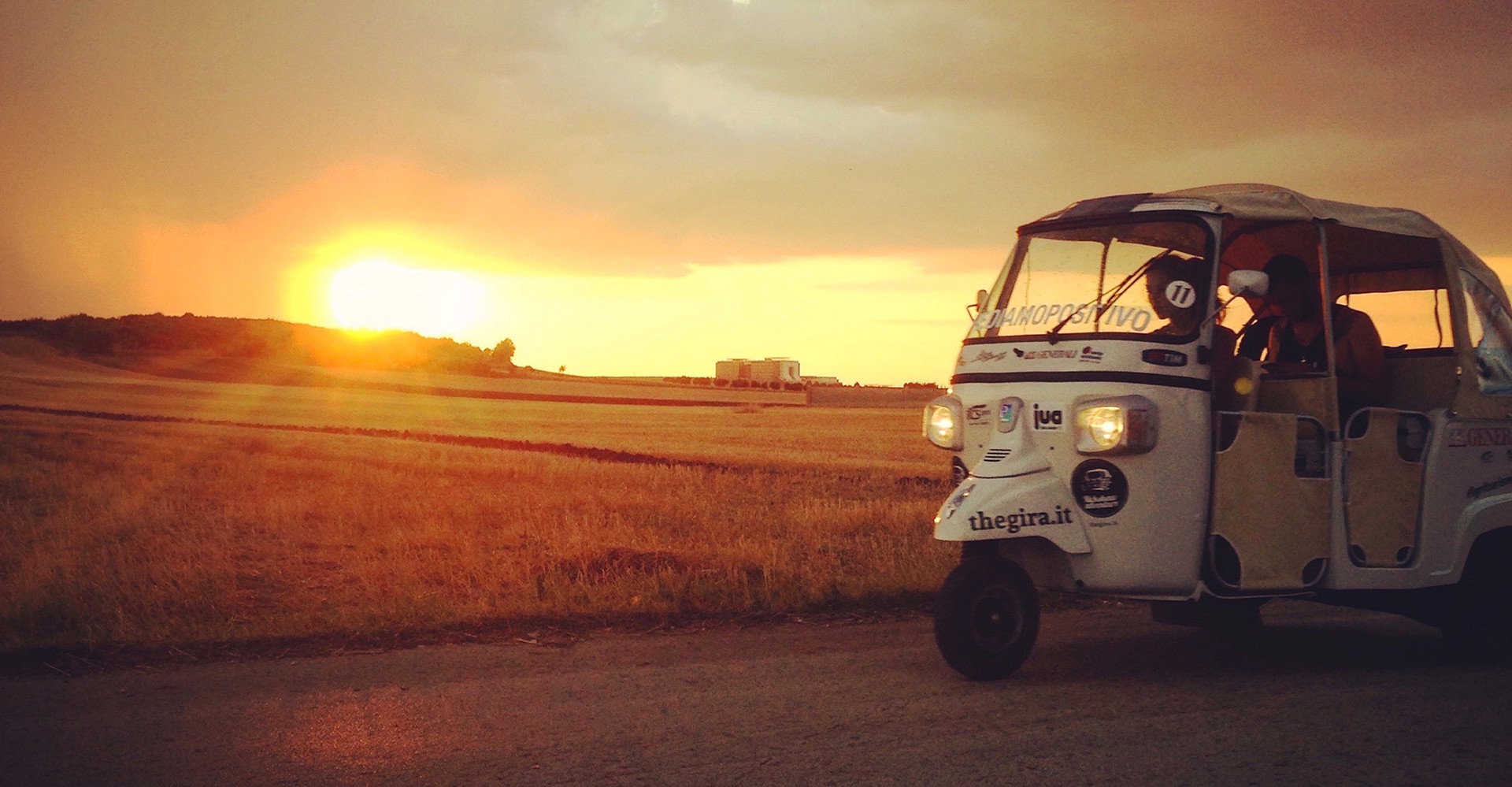The Great Italian Rickshaw Adventure, the gira